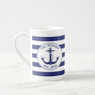 Tasse En Porcelaine Le bleu marine nautique d'Ancre barre le nom de