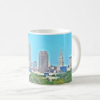 Tasse enveloppante d'horizon de Cleveland, Ohio