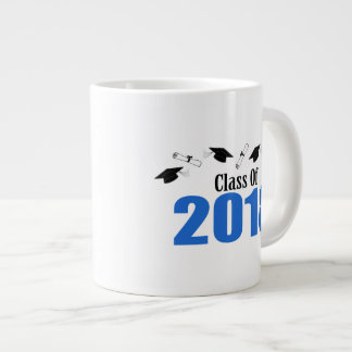 Tasse Géante Classe de 2018 casquettes et diplômes (bleus)