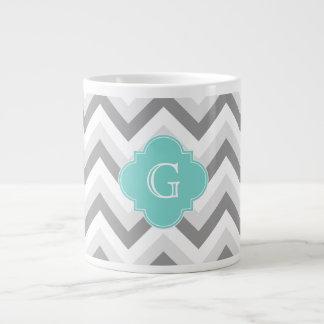 Tasse Géante Monogramme d'Aqua de Chevron de lt deux blanc gris