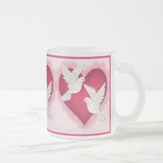 Tasse Givré Coeur et colombes - rose