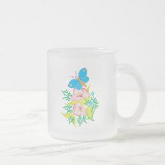 Tasse Givré conception florale de papillon d'été