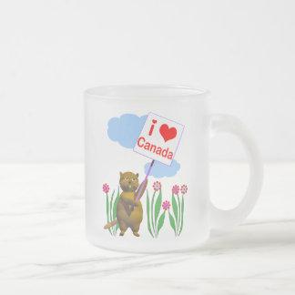 Tasse Givré Le castor canadien aime le Canada
