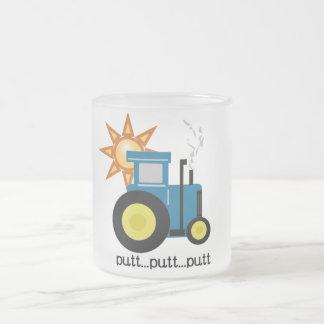Tasse Givré T-shirts et cadeaux bleus de tracteur de putt de