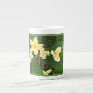 Tasse hawaïenne de fleur