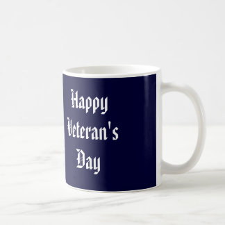 Tasse heureuse du jour de vétéran