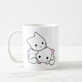 Tasse mignonne adorable de classique de chatons