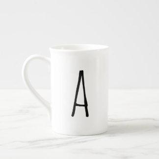 Tasse moderne de monogramme de Gifting d'alphabet