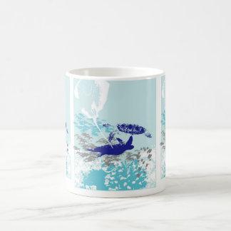 Tasse Morphing de scène d'océan
