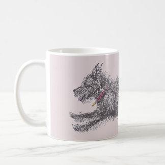 Tasse noire délabrée courante de Terrier