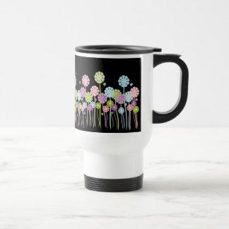 Tasse noire et blanche de jardin d agrément en pas