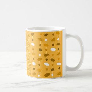 Tasse orange de soucoupe