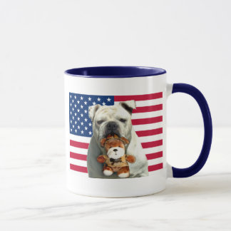 Tasse patriotique de bouledogue
