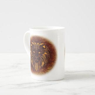 Tasse principale de la porcelaine tendre du lion