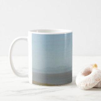 Tasse rêveuse de thé et de café d'Ayushtuk par