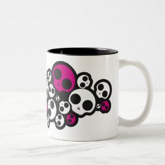 tasse rose/blanche d'emo de crâne