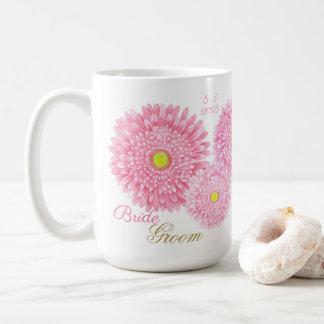 Tasse rose de mariage de Gerbera