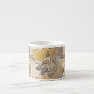 Tasse rouge de café express de Heeler de boomer