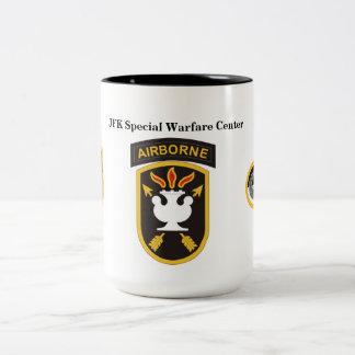 Tasse spéciale de centre de guerre de JFK