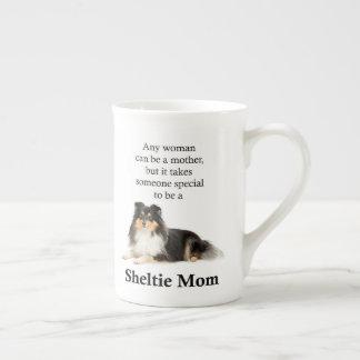 Tasse tricolore de maman de Sheltie