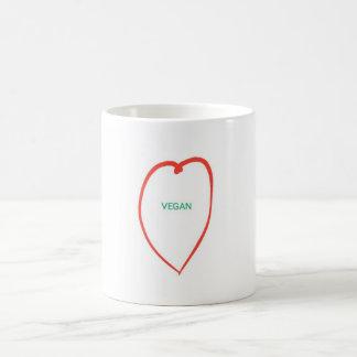 Tasse végétalienne de coeur d'amour