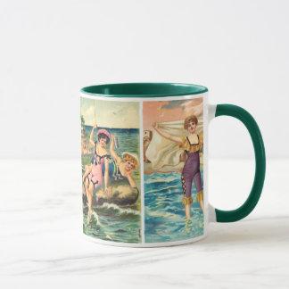Tasse vintage de beautés de plage