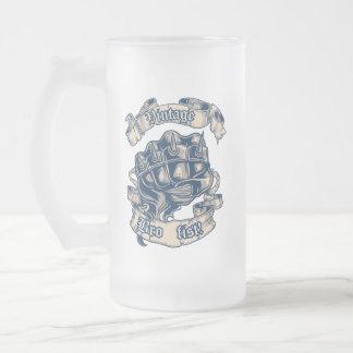 Tasse vintage de poing de Bro