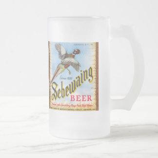 Tasse vintage en verre givré de bière