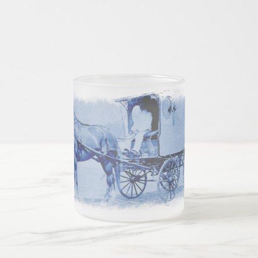 Tasse vintage en verre givré de chariot de la livr