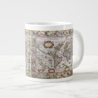 Tasses antiques de carte du monde