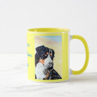 Tasses de chien de montagne de Bernese