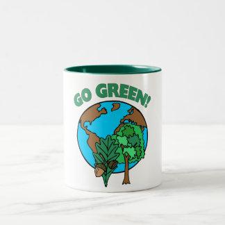 Tasses de jour de la terre de devenez écolo