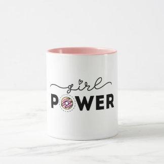 Tasses de puissance de fille
