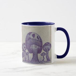 Tasses heureuses de champignon
