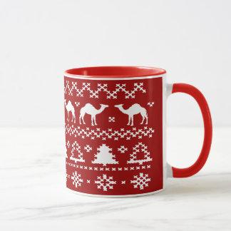 Tasses laides de chandail de Noël de chameau de