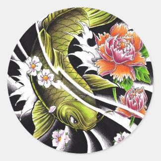 Tatouage chanceux de poissons de koi d'encre sticker rond