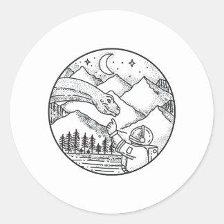 Tatouage de cercle de montagne d'astronaute de sticker rond