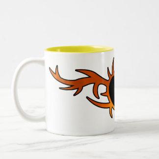 Tatouage de coeur de flamme tasse à café