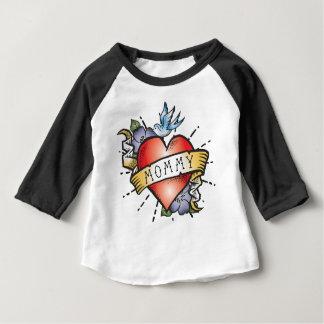 Tatouage de maman t-shirt pour bébé