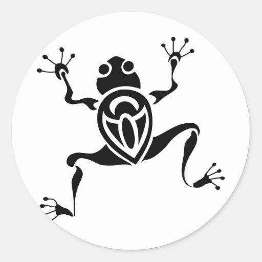 Tatouage tribal de grenouille adhésif rond