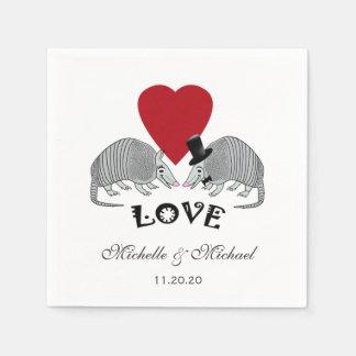 Tatous mignons personnalisés dans l'amour serviette en papier