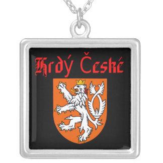 Tchèque fier collier