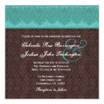 Teal et monogramme de damassé de chocolat épousant invitations personnalisées