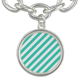Teal et motif diagonal blanc de rayures bracelet avec breloques
