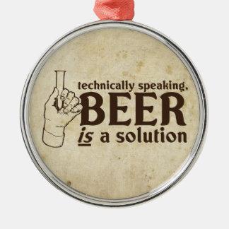 Techniquement parlant, la bière est une solution décoration pour sapin de noël