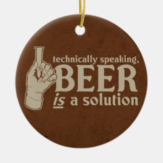 techniquement parlant, la bière est une solution ornements de noël
