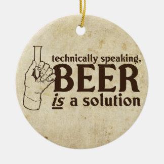 Techniquement parlant la bière est une solution décoration pour sapin de noël