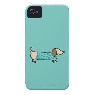 Teckel mignon dans le bleu en bon état coques iPhone 4 Case-Mate