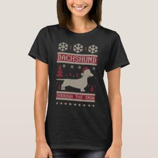 Teckel par la neige t-shirt