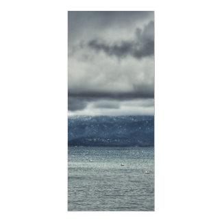 Tempête au-dessus du lac carton d'invitation  10,16 cm x 23,49 cm